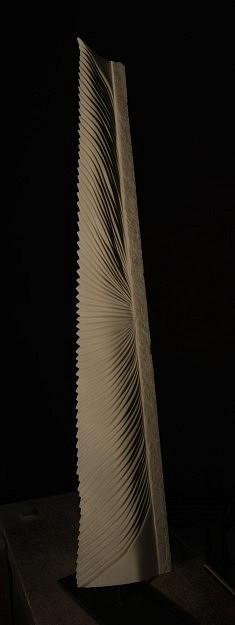 A la croisé des chemins - Marbre de Macedoine – 110 x 8,5 cm