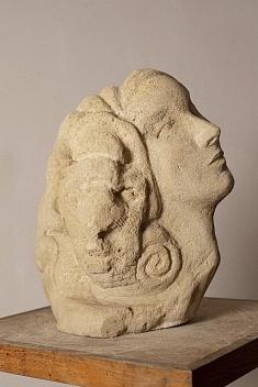 La femme bélier (pierre calcaire de Picardie - hauteur 45 cm)
