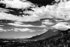 © Guillaume Coppé.La montagne de Céüse depuis la montagne de Charance (Hautes-Alpes).