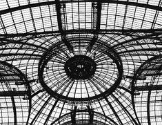 © Stanislas Bartosiewicz. Le Grand Palais.