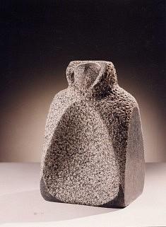 """""""J'aimerai sans manteau ce qui tremblait sous moi""""(R.Char) granit, 28 cm, 1999"""