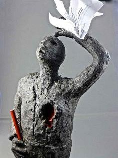 Marie Françoise Brevan, Pour Charlie, sculpture, 33x12cm