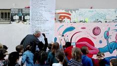 Collage de l'inventaire à la Prévert des enfants de CM2 de l'école Levert (photo Loïs Pommier)