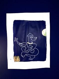 Tiki sous la lune - Acrylique, feutre, feuille d'or sur papier raisin