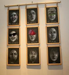 Wanda Torres, Grammaire de l'attachement, assemblage : bois-ardoise-métal, 110 x 82 cm, 2018