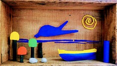 """""""Aperçu"""", assemblage en boîte, papier mâché, pigments, objets, 35x25 cm"""