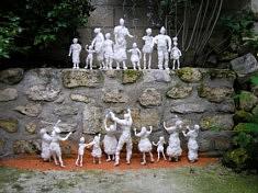 """""""Le peuple des nuages"""" installation sculptures textiles  2 x 1,8 m"""