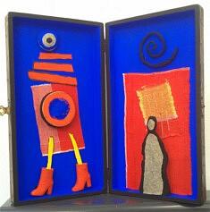 """""""The boots"""", assemblage en boîte, pigment, papier mâché, 40x30 cm"""