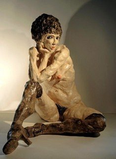 Hommage à Egon Schiele II (terre cuite patinée, h 54 cm)