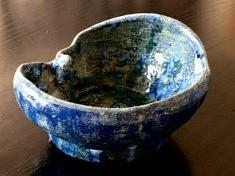 De la série «Céramiques bleue», pièce en grès chamotte émaillée, 13x9, Moscou 2019