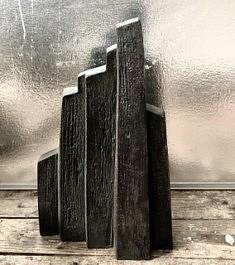 De la série «Homoarchitectures», sculpture en grès d'Irak chamotte patinée, 44x26x7, Paris 1991