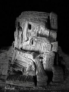 De la série «Sites», sculpture en grès noir chamotte, patinée, 37x23x25, diptyque, Paris 1995